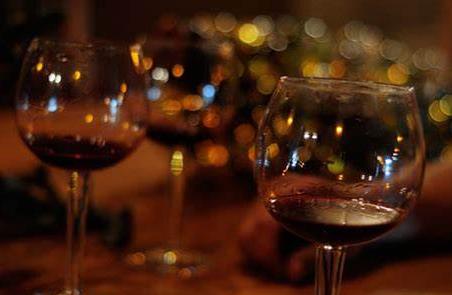 红酒一定要醒酒器吗?