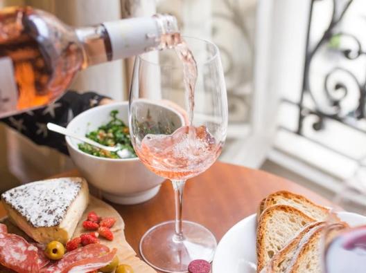 玫瑰红葡萄酒配什么奶酪?